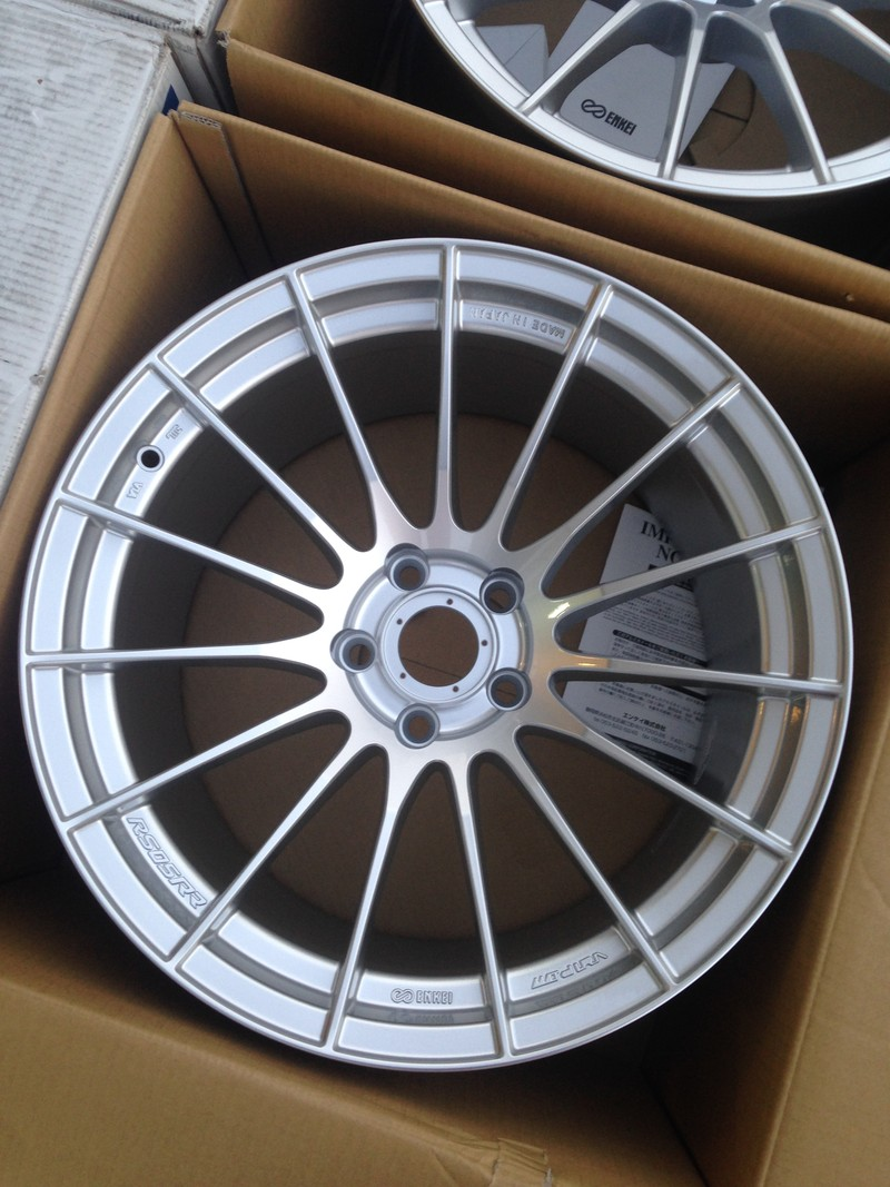Enkei Rs05rr Silver 18x10 5 25 18x10 5 15 5x114 3 By